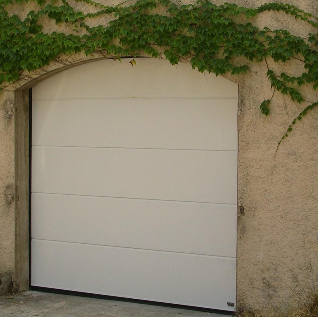 Menuiserie pvc alu menuiserie castellaz - Porte sectionnelle aluminium ...